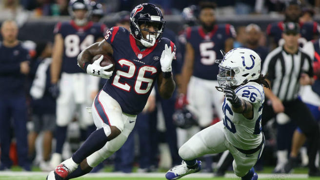 Patriots add Lamar Miller