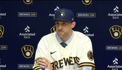 Brewers, Lindblom finalize 3-year contract - WTMJ