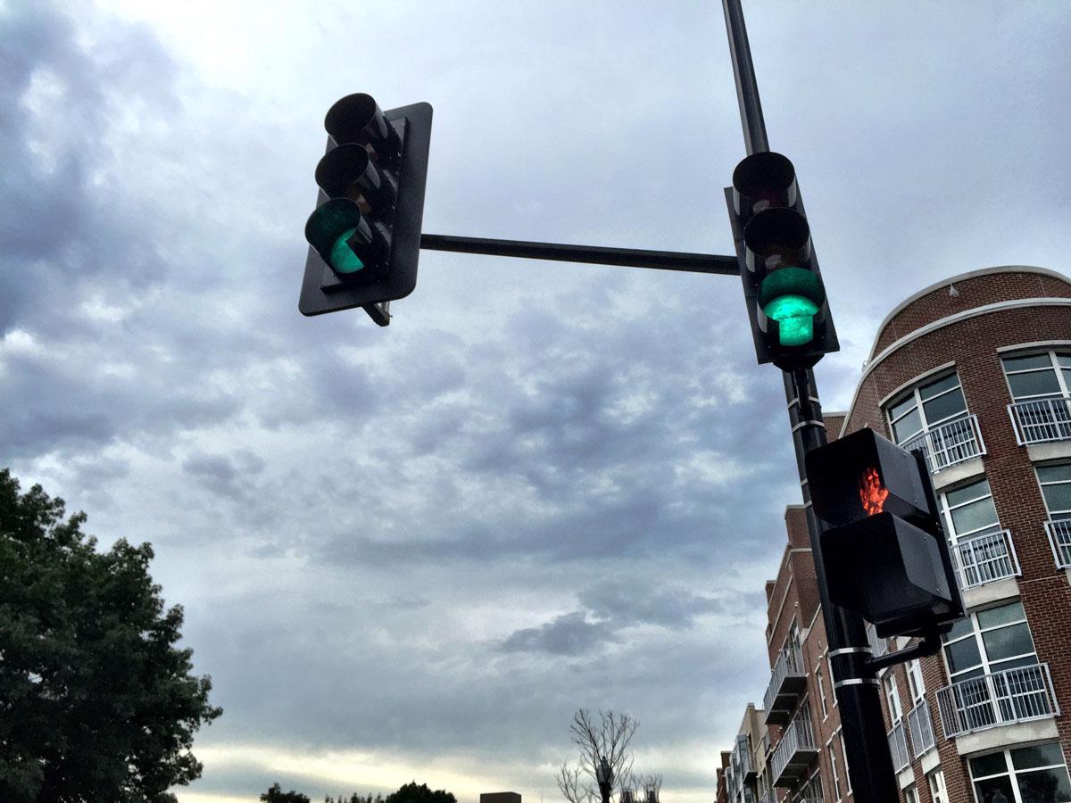 App Tells You When Traffic Light Will Change WTOP