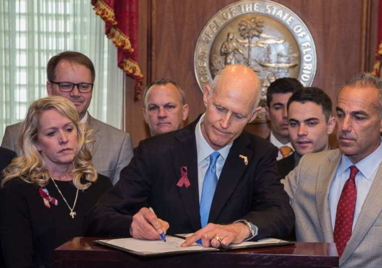 American state: Florida Allows Teachers to Carry Guns