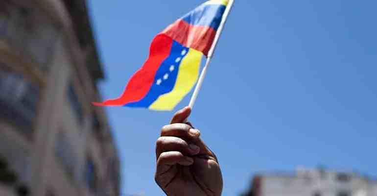 Trump Signs Executive Order Banning Venezuela's 'Petro' Cryptocurrency