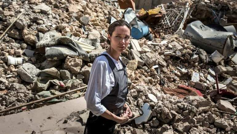 'Worst Devastation I've Seen.' Angelina Jolie Visits Mosul a Year After 'Liberation'