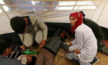 Razan Najjar, 21-year-old Palestinian paramedic volunteer, shot in chest