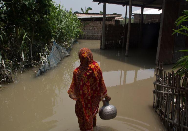 flooding kills over 100 people in bangladesh