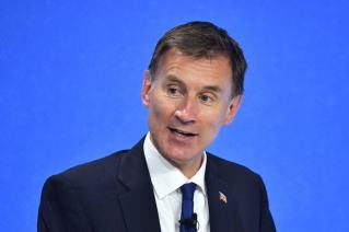 hunt vows to do everything in his power to stop tehran from getting bomb