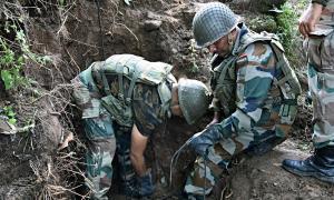 Indian troops kill 3 senior Kashmiri militants