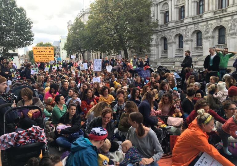Extinction Rebellion: Police ban London protests