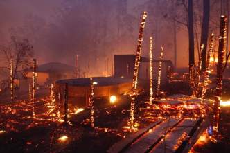 Australia fires: 'Catastrophic' alert issued to South Australia