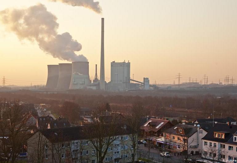 EU agrees on carbon neutrality by 2050, Poland exempt
