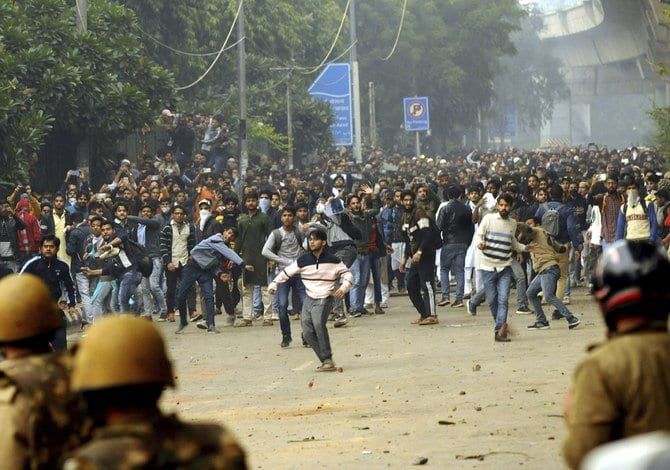 US & UK travel alerts to India - After fierce clashes on anti-Muslim law - Indian Army deployed to the streets