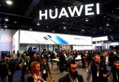 US say UK's potential Huawei 5G rollout'act of madness'