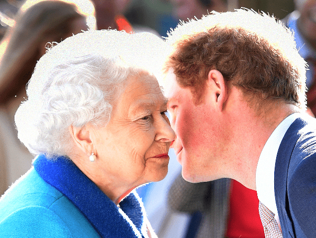 royals to meet today to dicuss Harry and Meghan's future