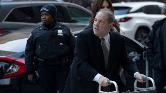 weinstein wants trial moved out of NYC because of media circus