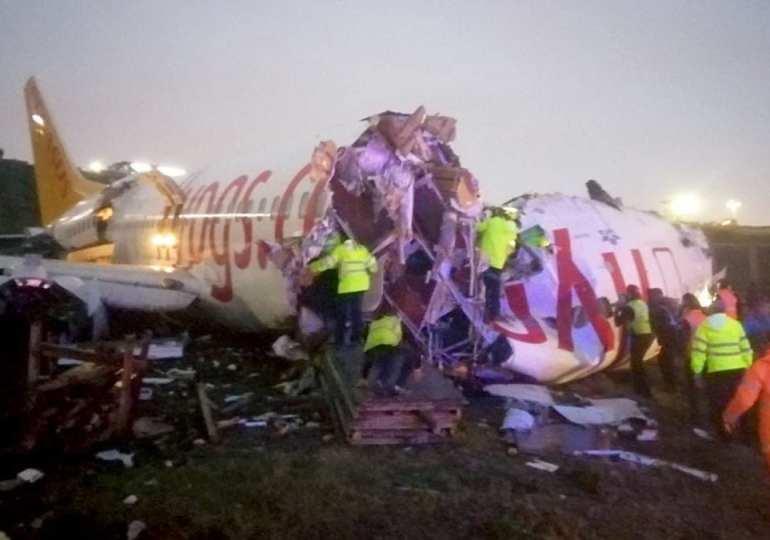 Watch Video as Turkish plane has skidded off runway in Istanbul & breaks in half