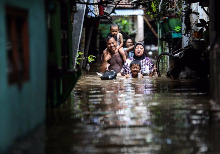 Jakarta flooding kills five with many missing