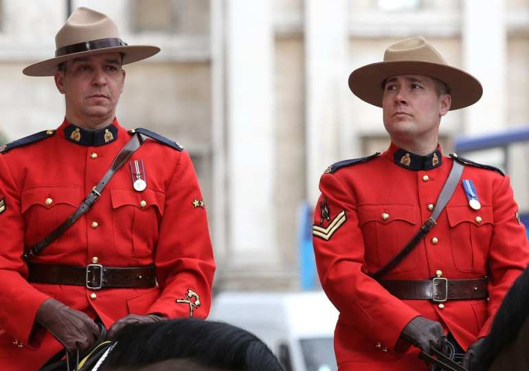 canada urges us not to put troops on the border amid coronavirus crisis