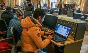 india restores kashmir's internet