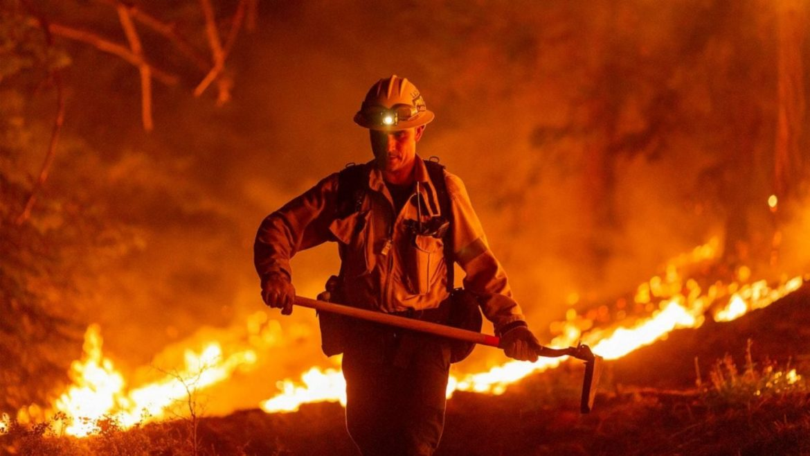 At least 30 dead in West Coast wildfires