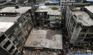 India building collapse, death toll tops 30