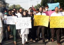 Pakistan arrests one of 2 suspects in highway gang rape case amid protests