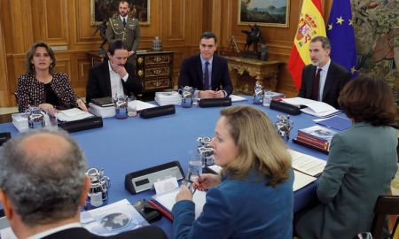 Spain takes on fake news and will monitor disinformation campaigns - divides opinion
