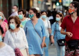 Spanish experts warn masks should be worn for ALL of 2021
