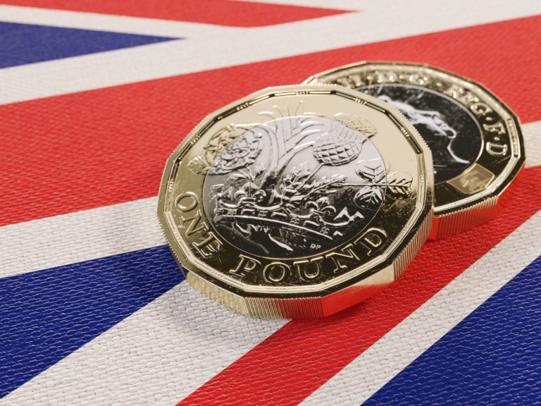 Pound slides lower as European borders close to UK