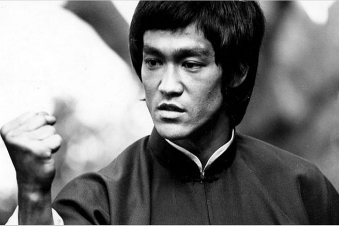 Bruce Lee provides motivational quotes on the value of practicing and hard work