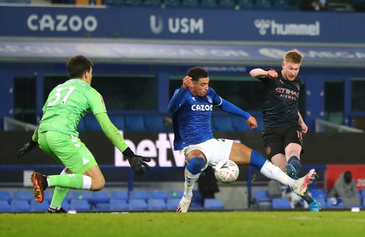 FA Cup Quarter-Final between Everton and Manchester City - De Bruyne scores