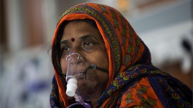 India breaks Covid-19 record - world's highest amid oxygen shortage