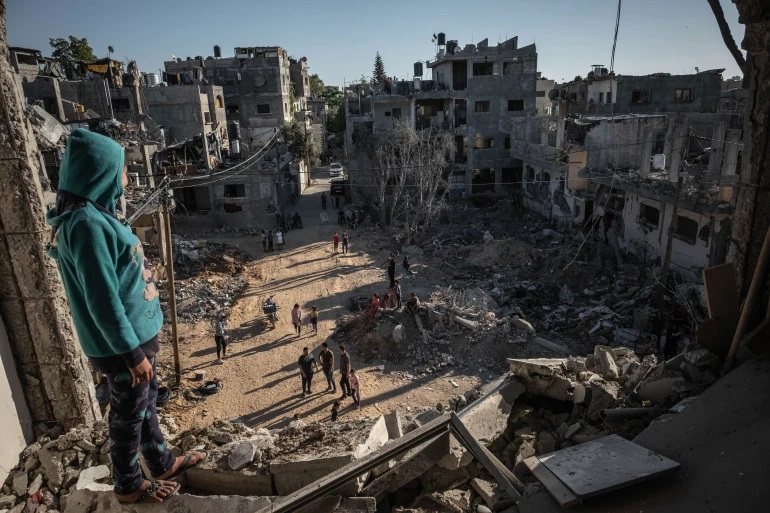 Egypt brokers a deal between Hamas Israel - to allow emergency supplies