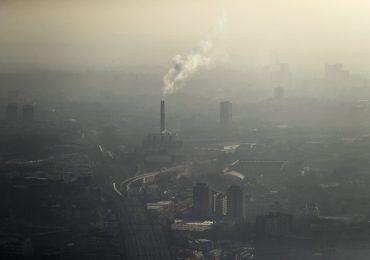 Medical leaders urge Boris Johnson to bring air pollution below WHO limit
