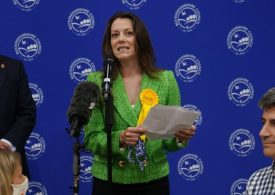 Chesham and Amersham byelection: Lib Dems win Tory seat