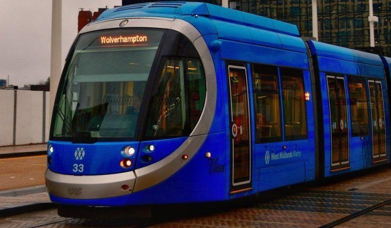 West Midlands: tram services suspended indefinitely after fault found