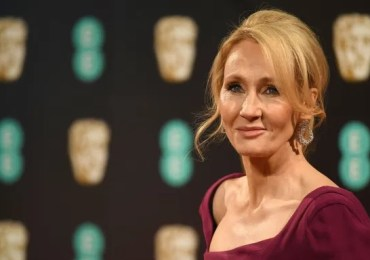 JK Rowling says she has received rape and death threats from hundreds of trans activists.