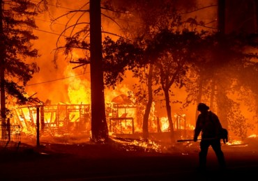 California fires map: The areas hit by devastating wildfires with 400,000 acres of land burned so far