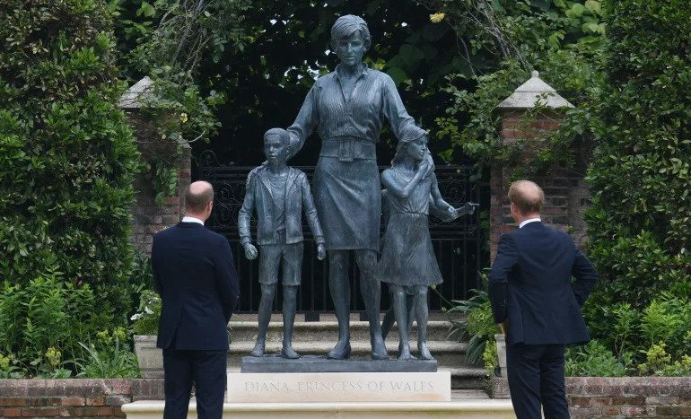 Princess Diana statue review: Laura Ashley monument is little better than the usual tat