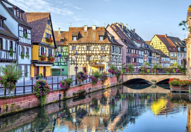 Can I travel to France? UK entry requirements and restrictions