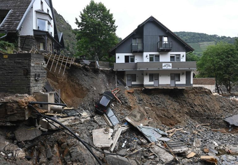 Germany floods: Government defends preparation as it counts costs of extreme flooding which left 160 dead