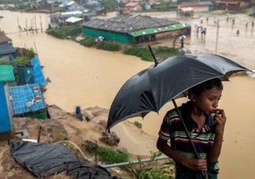 Deadly landslides, flooding hit Rohingya camps in Bangladesh