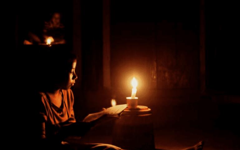 Lebanon's power blackouts halt COVID-19 vaccine drive