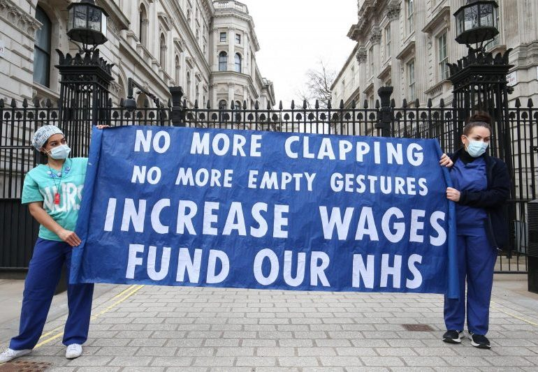 Unions poised to dismiss offer of 3% pay rise for NHS workers