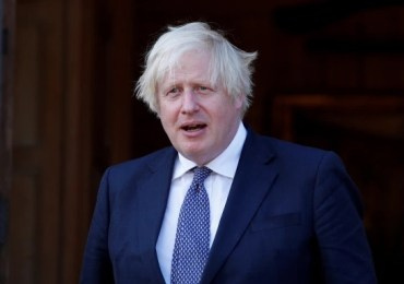 Tories revolt over amber watchlist crackdown on holidays