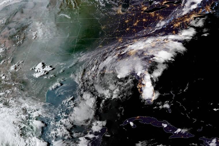 Tropical Storm Mindy hits Florida panhandle