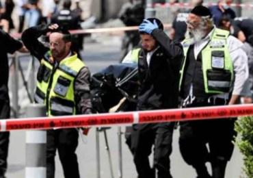 Three settlers injured in stabbing attack in Occupied Jerusalem