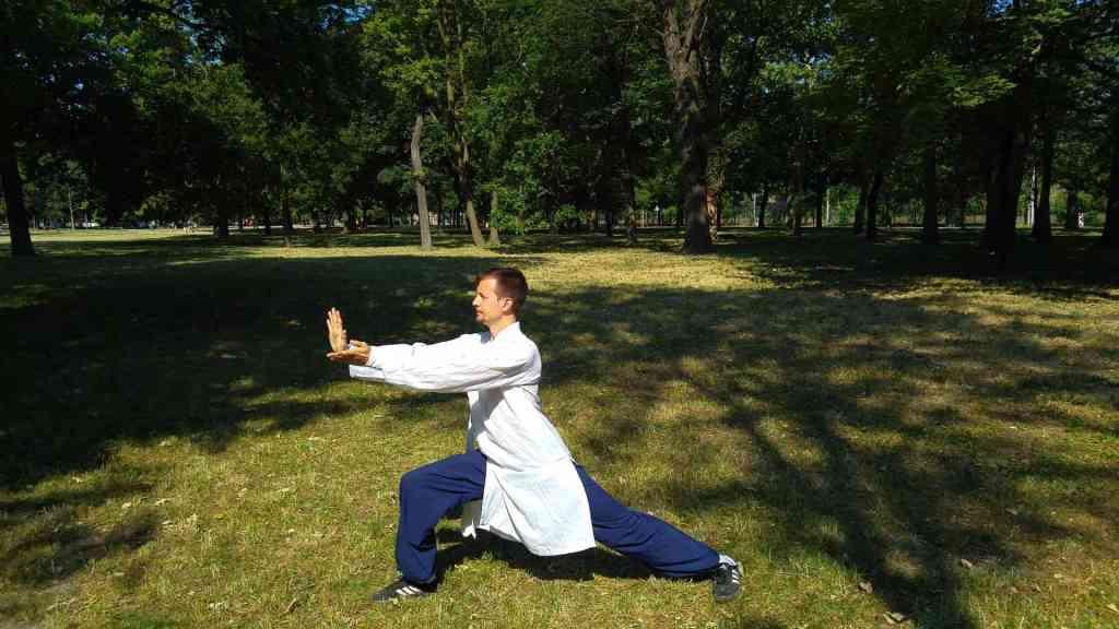 Master-Ziji-Baduanjin-QiGong-1