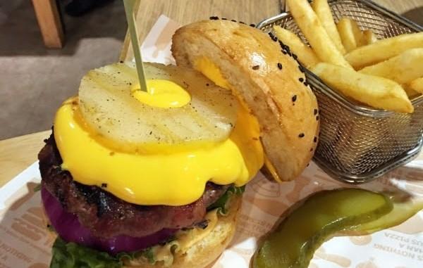 【台北美食】費尼餐廳Fanier ~每款漢堡都很推薦!!@台北內湖 (捷運西湖市場站) @吳大妮。Annie