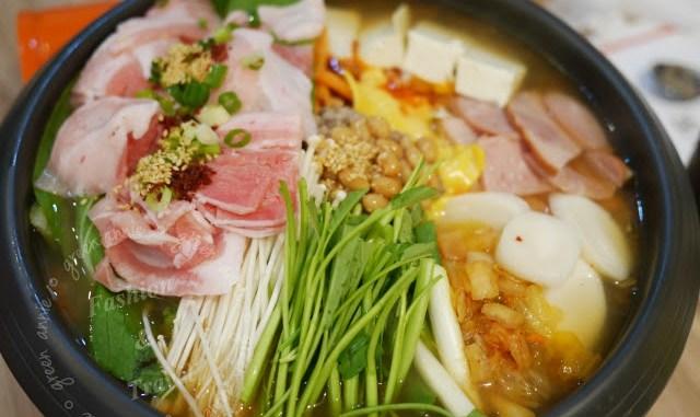 【台北韓食 】林家匠部隊鍋~會讓人再想二訪的美味部隊鍋~天冷吃剛剛好~2011年泡菜名人第一名 @吳大妮