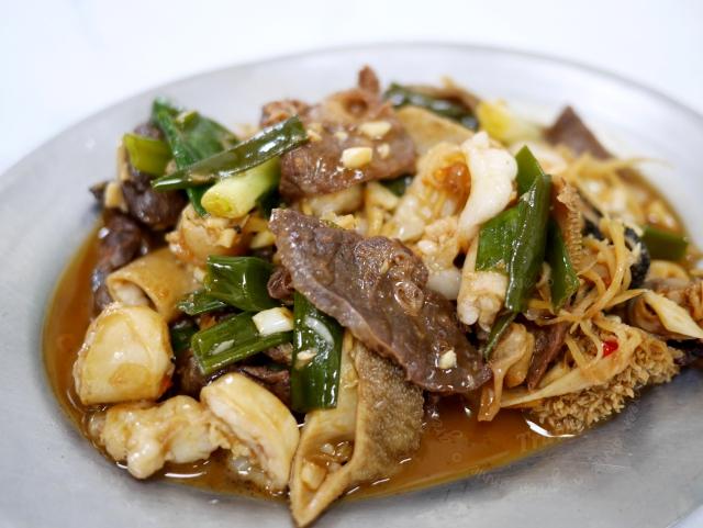呂記正宗岡山羊肉,台中忠明南路與公益路口~口味好料實在讓人一吃就愛上