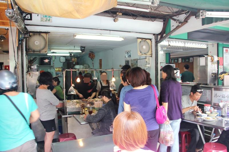 台南美食~阿龍香腸熟肉,保安路八十 年老店~黑白切想吃什麼就切什麼